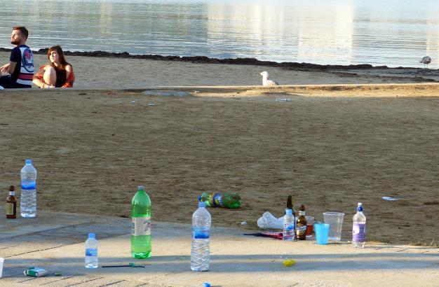 Nur 17 Prozent der Plastikflaschen auf Mallorca werden recycelt. Nicht selten landet Müll im Meer. Das soll sich nach dem Willen