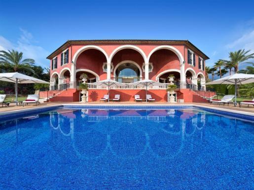 Sieh an, sieh an: Blick auf die Villa.