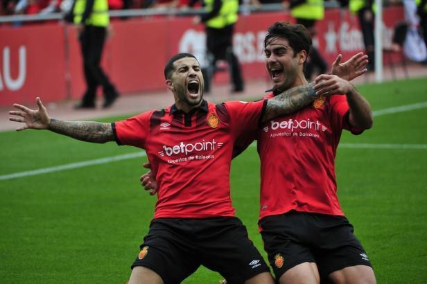 Die Mallorca-Kicker Aridai und Abdón.