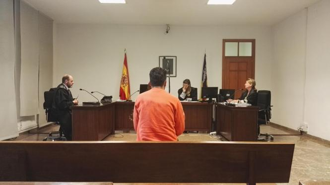 Der Angeklagte wurde in Palma zu zwei Jahren Haft auf Bewährung verurteilt.