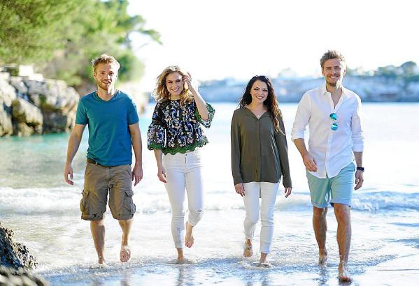 Vier der GZSZ-Stars auf Mallorca (v.l.): Niklas Osterloh, Lea Marlen Woitack, Anne Menden und Jörn Schlönvoigt.