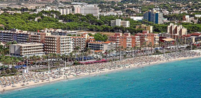 Die Playa de Palma war eine der Zonen, in denen die Inspektoren des Ministeriums Hotels überprüften. VISTA AEREA DE LA PLAYA DE