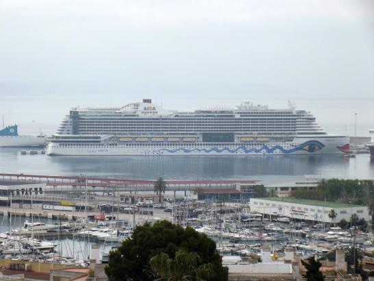 Schon seit langer Zeit wird darüber diskutiert, wie viele Kreuzfahrtschiffe die mallorquinischen Gewässer vertragen. Am Wochenen