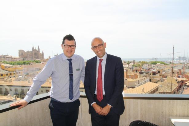 Toni Fernández und Antonio Sánchez Grao vom Corte Inglés auf Mallorca.