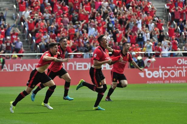 Antonio José Raillo bejubelt seinen Treffer zum zwischenzeitlichen 2:0 für die Gastgeber.