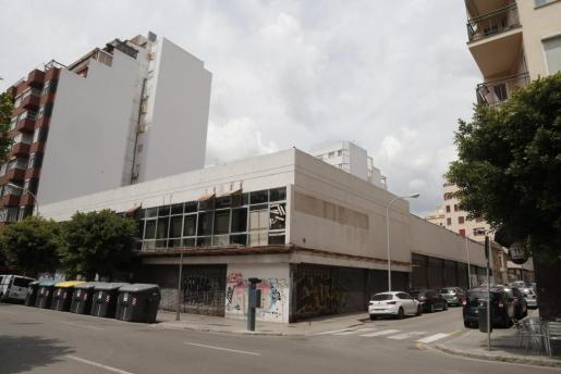 Die seit Jahren geschlossene Autoreifen-Handlung Firestone in Palma soll Platz machen für ein neues Stadthotel der Kette HM.