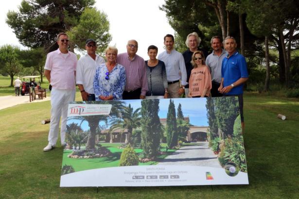 Erprobte Partnerschaft: Vertreter des Mallorca Magazins, von Minkner & Partner und von Golf Alcanada am Rande des Turniers (v.l.