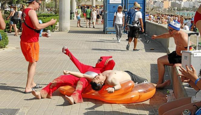 Sich breit machen auf der Promenade: In solchen Fällen würden die Mitglieder der Bürgerinitiative wahrscheinlich gerne tätig wer