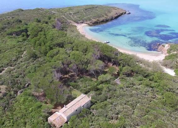 Die Illa d'en Colom vor Mallorcas Nachbarinsel Menorca.