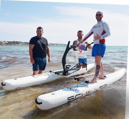 """Die """"Schiller Water Bikes"""" kosten rund 6000 Euro."""