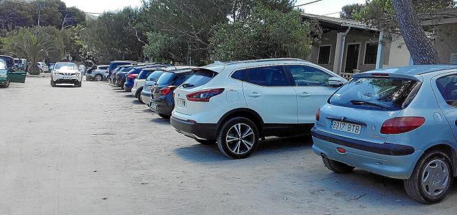Illegal abgestellte Autos in sa Caseta des Capellans.