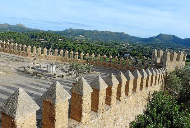 Die Mauern von Sant Salvador in Artà.