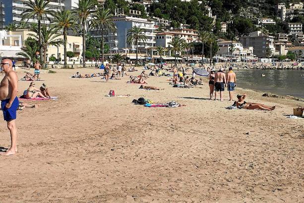 So geht es derzeit auf dem Strand von d'en Repic in Port de Sóller zu.