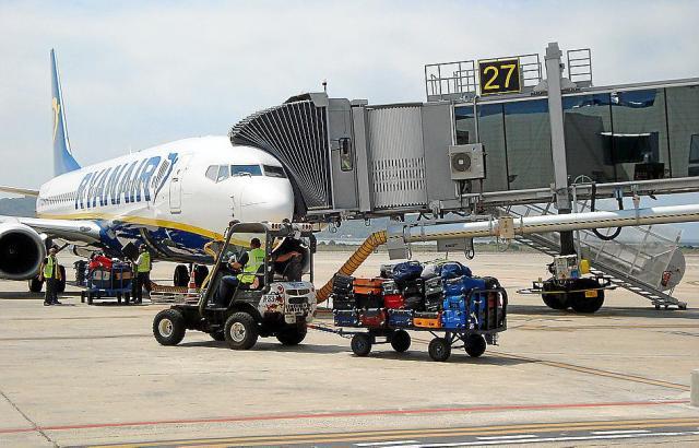 Fliegt er oder fliegt er nicht? Blick auf ein Ryanair-Flugzeug.