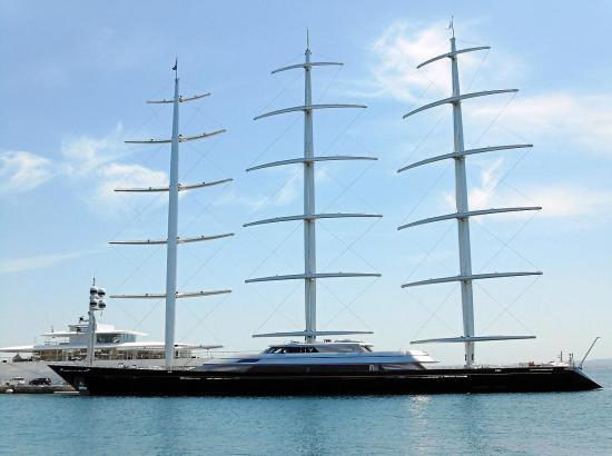 Die Maltese Falcon hat im Club de Mar festgemacht.