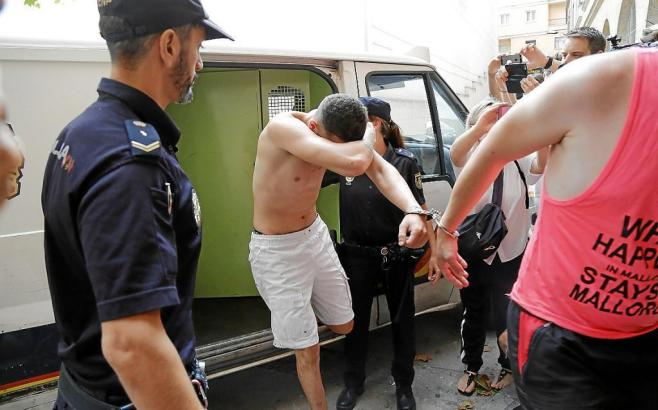 Die Polizei auf Mallorca hat den mutmaßlichen Täter Adrián A.A. verhaftet.