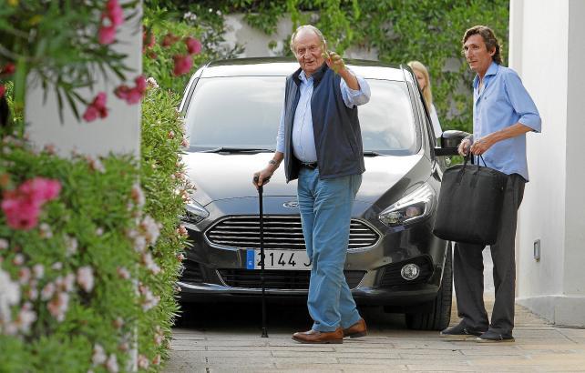 Das Archivfoto zeigt Altkönig Juan Carlos bei einem früheren Besuch auf Mallorca.