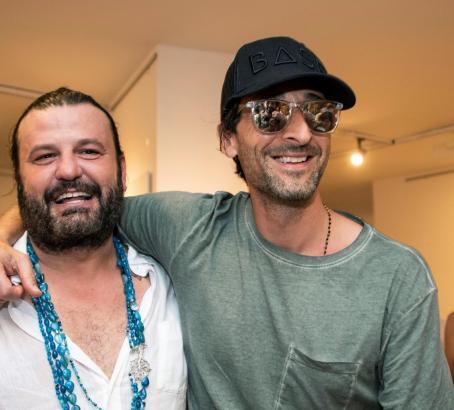 """Hollywood-Schauspieler und Oscar-Preisträger Adrien Brody (""""Der Pianist""""), besuchte seinen Freund und Künstler Domingo Zapata (l"""