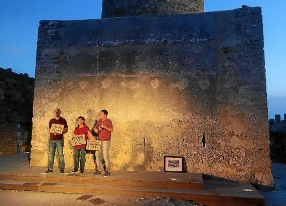 """Das Werk von Jaume Miró, """"Les cançons perdudes"""" (Die verlorenen Lieder) wurde am Montag im Kastell von Capdepera uraufgeführt."""