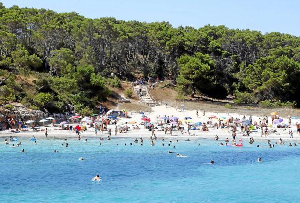 Zur Cala Mondragó im Südosten Mallorcas gehören drei Strände, darunter der naturbelassene S'Amarador.