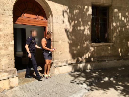 Der Verdächtige vor dem Gericht in Palma.