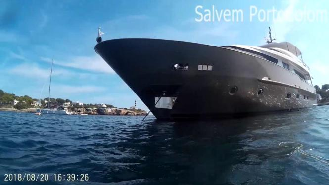 Blick auf die Yacht vor Portocolom.