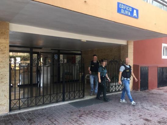 Polizisten haben in Magaluf mehrere Personen nach einer Drogenrazzia festgenommen.