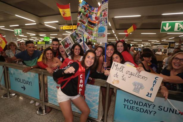 Am Flughafen von Palma wurde Cata Coll begeistert begrüßt.