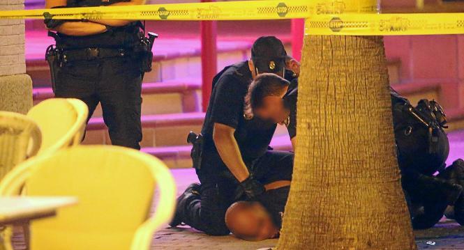 """Bei der Festnahme rief der Messerstecher: """"Ihr seid Rassisten!"""""""