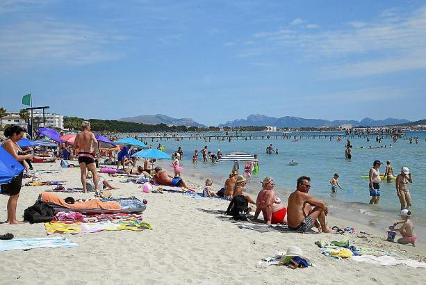 Zwar wurde ein neuer Juli-Rekord verpasst, die Strände der Balearen waren und sind in diesem Sommer dennoch gut gefüllt.