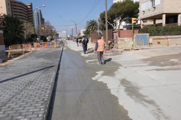 """Das Archivfoto zeigt die Bauarbeiten an der heutigen zweiten Linie aus dem Jahre 2006. Damals war der gepflasterte """"Bulevar"""" ges"""