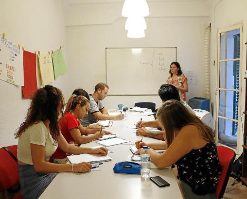 die akademie academia de aleman idiomas estudiantes lengua extranjera