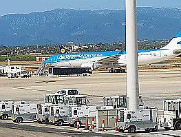 Die Maschine von Aerolíneas Argentinas am Flughafen von Palma.