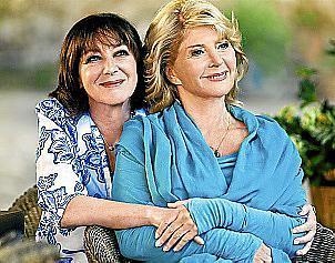 Seit ihrer Schulzeit sind Hermine (Heidelinde Weis, l.) und Edith (Christiane Hörbiger) beste Freundinnen.