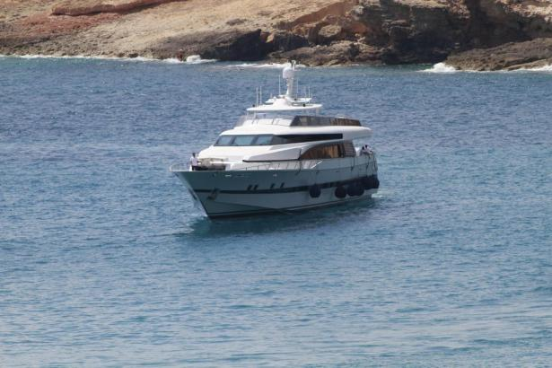 """Die leistungsstarken Rolls Royce-Motoren der Ex-""""Fortuna"""" ermöglichen dem Schiff eine Spitzenleistung von 70 Knoten (etwa 130 St"""