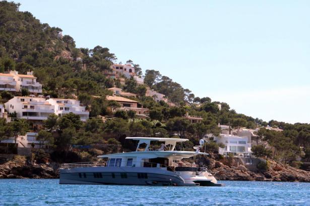 Villen und Yachten auf Mallorca, das sind die Sehnsüchte von vielen Menschen in Europa. Und manche leisten sich diese Träume. Do