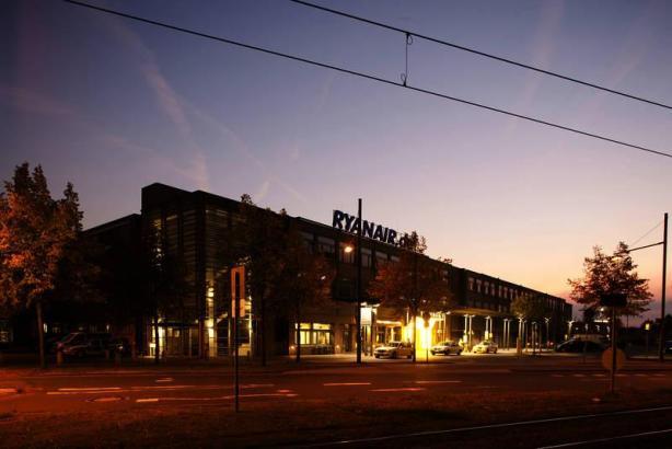 Der Terminal 6 des Bremen-Airports, wo Ryanair-Maschinen andocken.