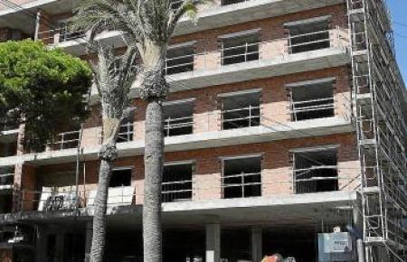 Bauarbeiten an einem Hotel an der Playa de Palma.