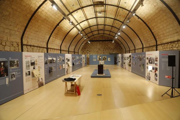 Der Ausstellungsraum kurz vor der Eröffnung.