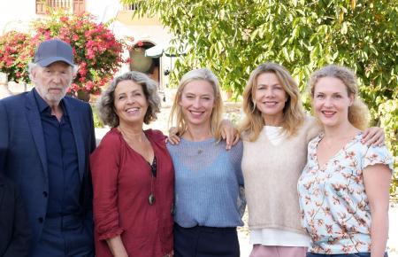 Drehen derzeit auf Mallorca: Michael Gwisdek, Michaela May, Sandra Borgmann, Ursula Karven und Anja Schiffel (v.l.n.r.)