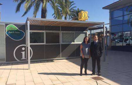 Palmas Tourismus-Dezernentin Joana Maria Adrover und der Direktor der Hafenbehörde, Joan Gual de Torrella, stellten das neue neu