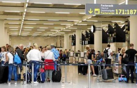 Mehr als 370.000 Passagiere werden in diesen Tagen den Flughafen von Mallorca passieren.