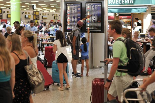 Flughafenszene in Palma in de Mallorca.