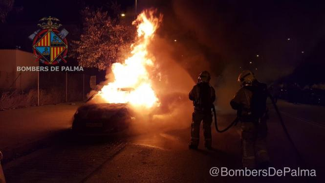 Am Donnerstagmorgen brannten in Palma de Mallorca wieder Autos.