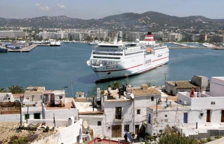 Die Reederei Trasmediterránea erweitert ihr Streckennetz.