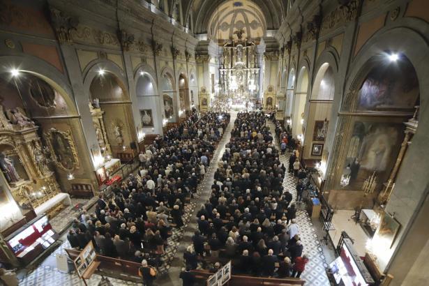 Die Kirche war komplett gefüllt.