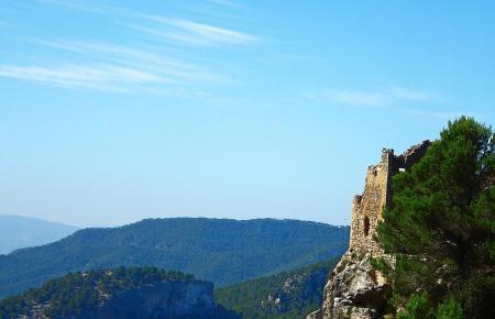 Hoch oben auf dem Puig d'Alaró thront die Ruine der Felsenburg.