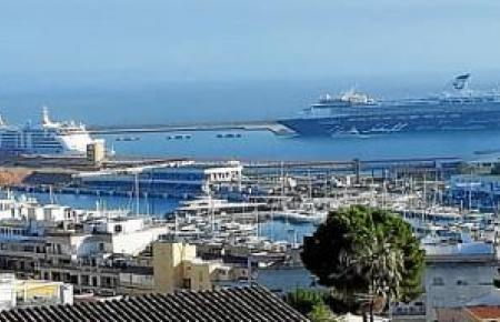 Ungewohntes November-Panorama im Hafen von Palma de Mallorca.