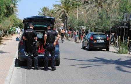 Spanische Polizisten im Einsatz.