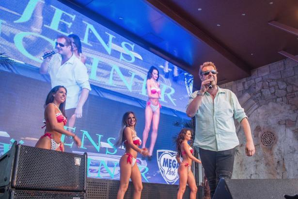 Jens Büchner bei einem seiner zahlreichen Auftritte im Mega-Park an der Playa de Palma.